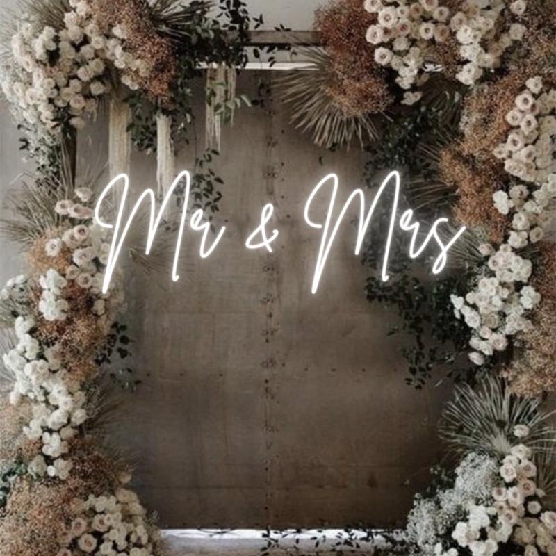 Mr & Mrs neon sign